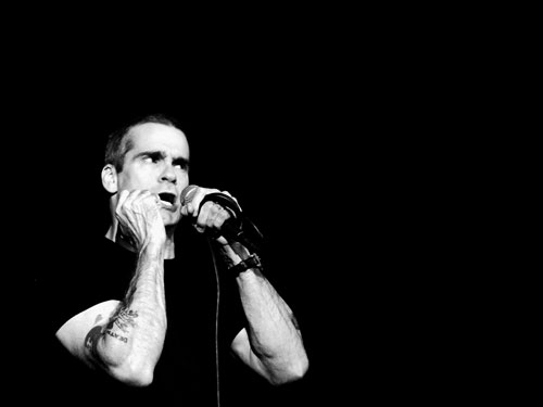 Henry Rollins with the mic